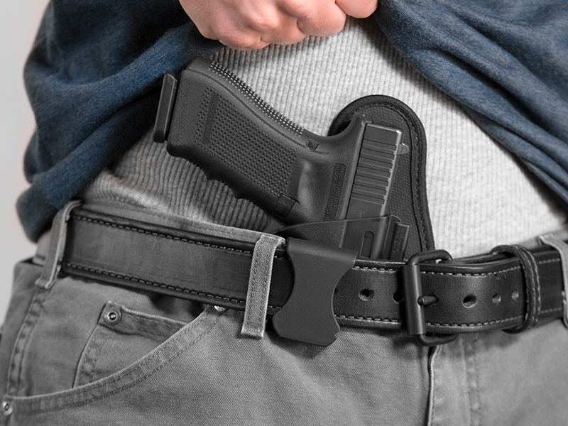 wearing a glock 17 aiwb holster