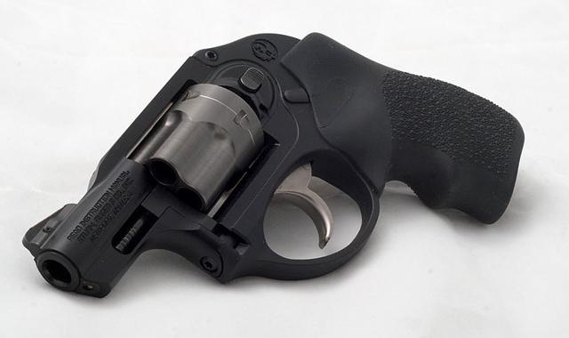 snubbie revolver