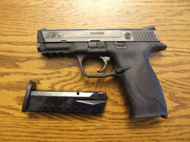 40 S&W pistol