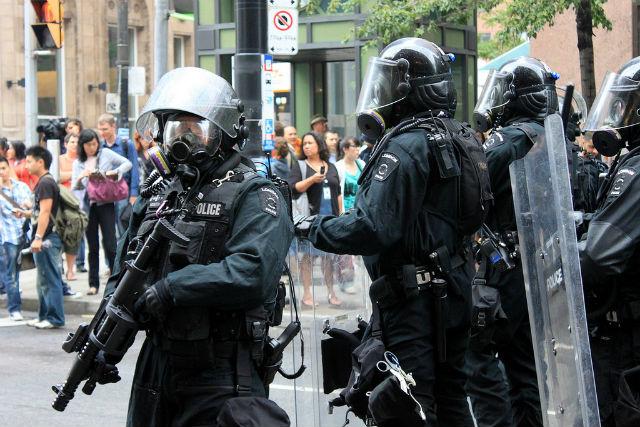 how to survive a violent protest