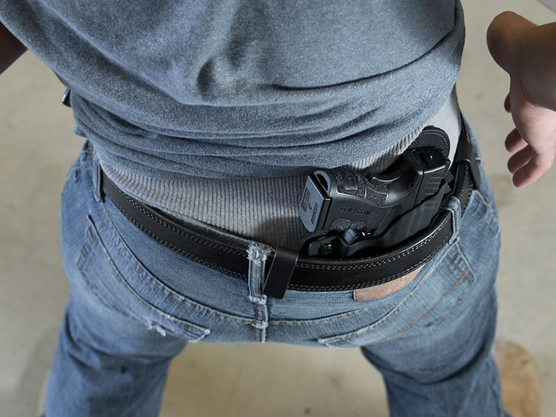 concealment holster for glock 23 with viridian c5l iwb carry