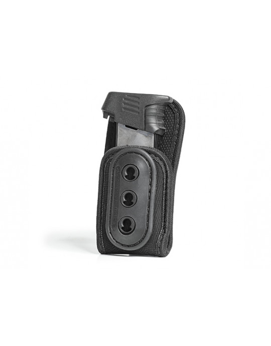 Grip Tuck Mag Carrier