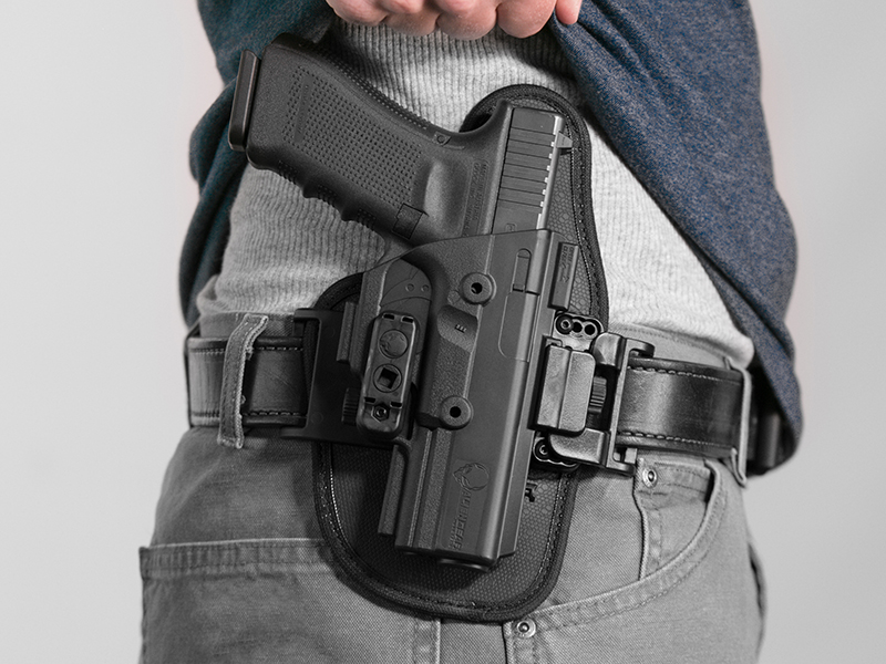 wearing the glock 17 owb holster