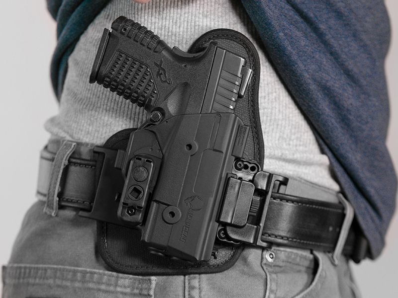 wearing the springfield xds 3.3 owb holster