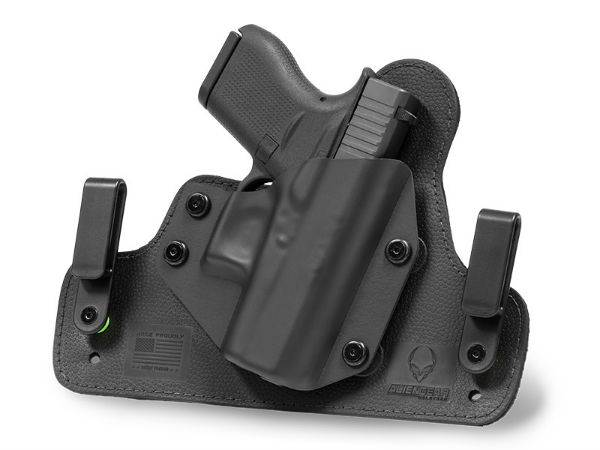 The Alien Gear Holsters Cloak Tuck 3.0