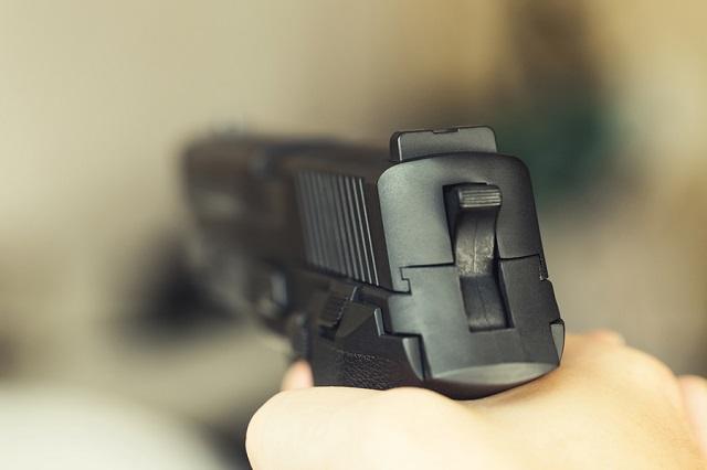 gun james