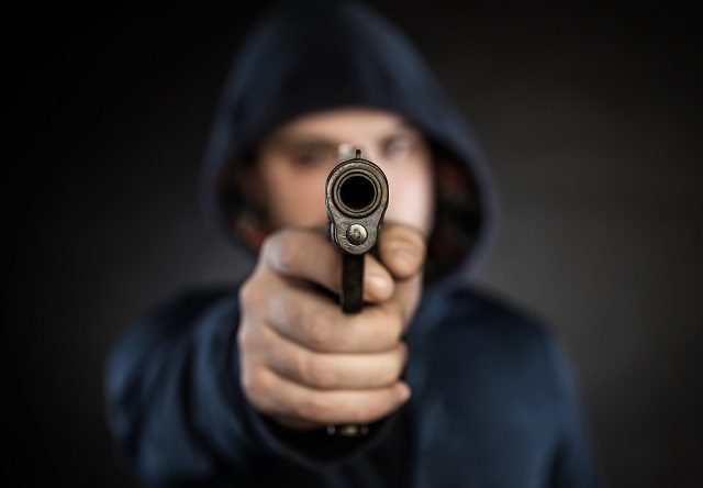concealed carry facing a gunman
