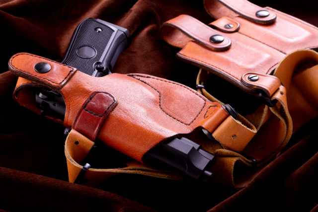 what to look for in a shoulder holster