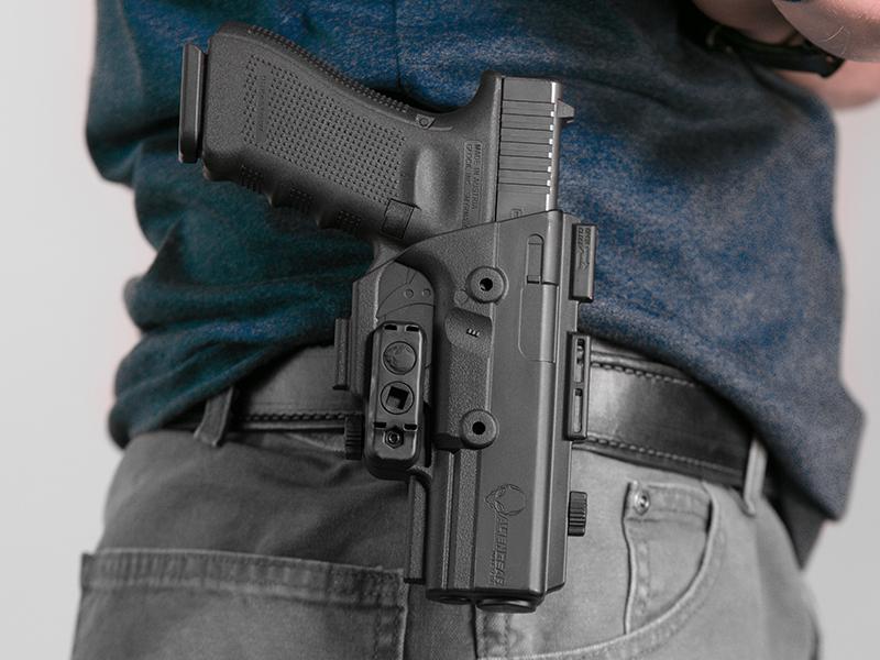 wearing the glock 17 shapeshift paddle holster