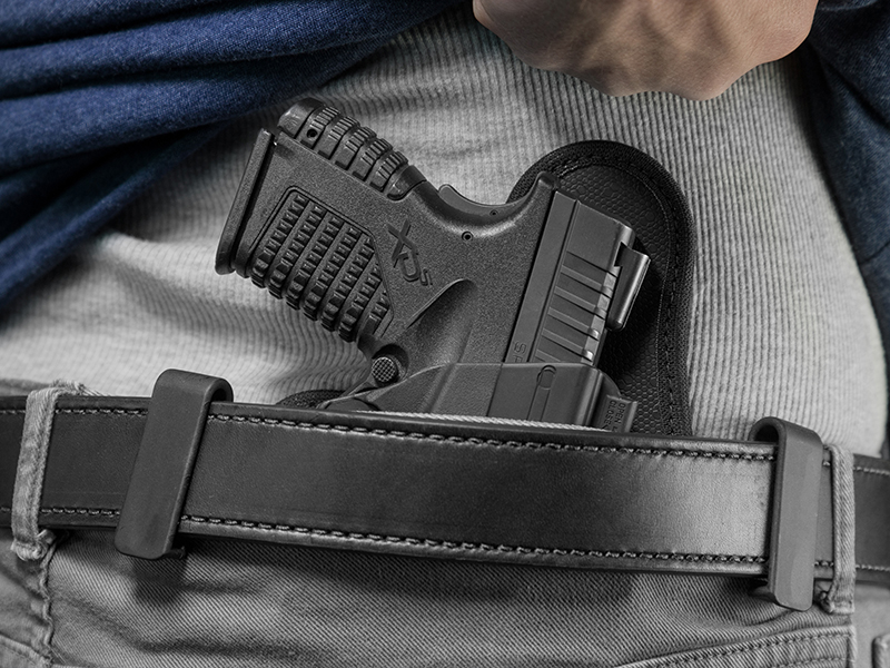 wearing the shapeshift iwb for springfield xds 3.3