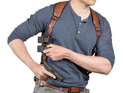 drawing from shapeshift mag shoulder holster