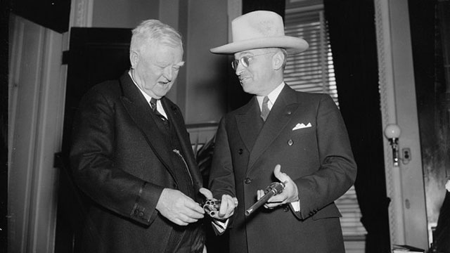 Harry Truman & Garner messing with Jesse James' guns