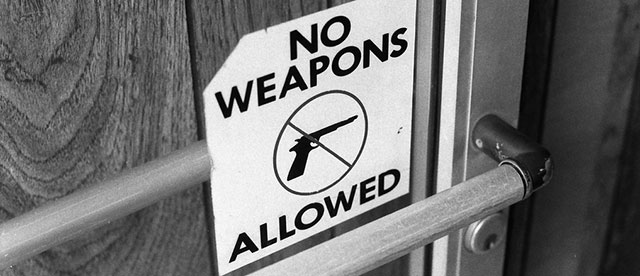 no guns allowed signs