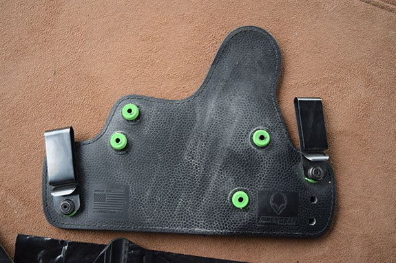 Alien Gear Holsters Cloak Tuck 3.0 that needs cleaning