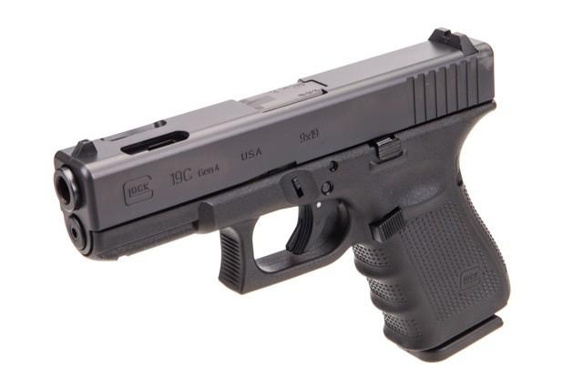 9mm vs 45 pistols