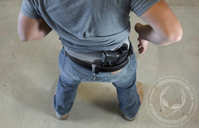 how to conceal carry a 1911 handgun